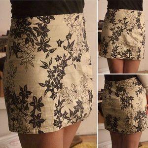 Hawaiian black & cream floral mini-skirt